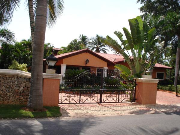Barranca #28, Casa de Campo